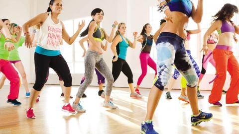 Clase de fitness zumba power